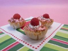 Make red raspberry and chocolate tarts in Athens phyllo cups