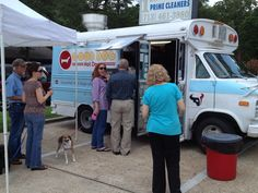 Good Dog Food Truck catered the event. Their amazing gourmet hot dogs were selling out fast!