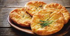 Recette de Petits pains plats light et express. Facile et rapide à réaliser, goûteuse et diététique. Ingrédients, préparation et recettes associées.