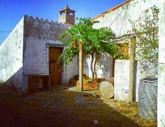 A #casa da minha #infância  #portugal #algarve #montonovo #alcoutim #bisavó #montanhas #amêndoas #gaspacho #presunto #queijos #mel #lembrancas #infancia #origem #viagem #travel #tourism #instatravel #travelgram #algarvenatural #byme