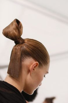 Best HairStyles For 2017/ 2018   Backstage Beauty at Carolina Herrera  Slideshow  Runway Fashion Week Fashion