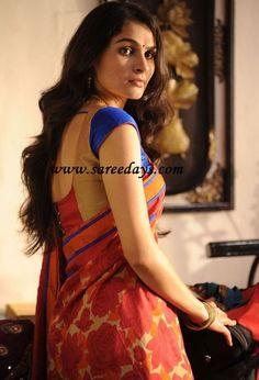 Latest Saree Designs: red printed crepe saree