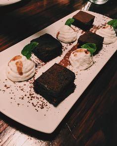 Always love chocolate 🍫🍩 #brownie #cheatday #again