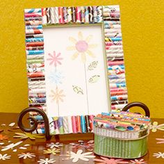 Picture frame crafts ideas using old picture frames in new ways. Ideas for recycling picture frames include making a table, loom, tray, earring or bow holder. Kids Crafts, Recycled Crafts Kids, Recycled Art, Creative Crafts, Diy And Crafts, Craft Projects, Paper Crafts, Craft Ideas, Recycled Materials