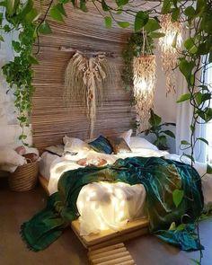 Bohemian bedroom and bedding design - Böhmisches Schlafzimmer Dekor - Deco Tip Dream Rooms, Dream Bedroom, Home Bedroom, Bedrooms, Garden Bedroom, Bedroom Ideas, Bedroom Plants, Bedroom Inspiration, Modern Bedroom