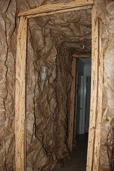 Pretty amazing pic's of of Halloween decorating - Mine Shaft Halloween Prop, Halloween Projects, Holidays Halloween, Halloween 2016, Halloween Decorations, Halloween Forum, Halloween Witches, Happy Halloween, Cave Quest Vbs
