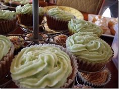 Feijoa cupcakes with ginger buttercream frosting. To die.