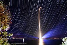 Rocket Streak and Star Trails/Mentre le stelle girano parte un razzo !