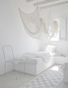 ゝ。White Decor.。