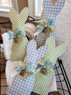 What cute bunnies! You could sew two together and fill with dried lavender for little gifts at a shower or Easter celebration!