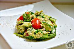 Mit diesem Thunfisch-Avocado Salat verwöhnt ihr nicht nur euren Gaumen, sondern tut gleichzeitig auch noch etwas für eure Gesundheit!