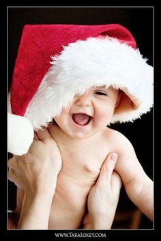 Photo by Tara Lokey Photography www.taralokey.com Baby portraits, baby photography, Christmas, santa hat