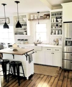 Most of us understand that spring brings new things, new ideas and fresh energy for something do generate. Read Top Farmhouse Kitchen Island Decor Ideas On a Budget White Farmhouse Kitchens, Farmhouse Kitchen Island, Kitchen Island Decor, Kitchen Styling, Home Kitchens, Rustic Farmhouse, Fresh Farmhouse, Rustic Kitchen, Farmhouse Ideas