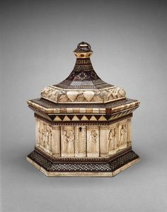 Casket, 1390-1400, Italian, ebony and walnut, bone, ivory, mother-of-pearl, Embriachi Workshop, Venice