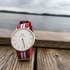 Find the official Daniel Wellington online store for you country. Trendy Watches, Watches For Men, Daniel Willington, Bracelet Nato, Daniel Wellington Watch, Nato Strap, Amazing Watches, Exeter, Fashion Watches