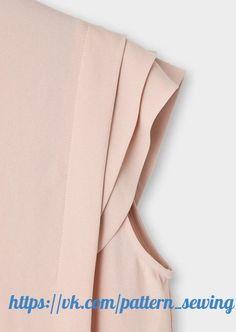 Muslim Fashion, Hijab Fashion, Fashion Dresses, Blouse Styles, Blouse Designs, Business Dresses, Sleeve Designs, Fashion Details, Casual Chic