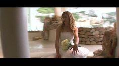 Demo de boda grabada en 2008 en Ibiza, unos novios encantadores y un paraíso donde trabajar, el Hotel Hacienda Na Xamena, todo un lujo. Muchas gracias a Nuria y Juan por su simpatía y colaboración.  Grabación hecha con una Sony HVR-V1E y un gran angular Sony 0,8x montada en una Glidecam 2000.  Edición en Final Cut Pro 6.
