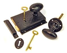 Kirkpatrick 1204 Rustic Rim Lock Set - This Rustic Rim Lock Set is made from malleable iron. This is a high quality product, very solid and with a black antique finish. Unsurpassable British quality, hand forged in a foundry in the West Midlands.