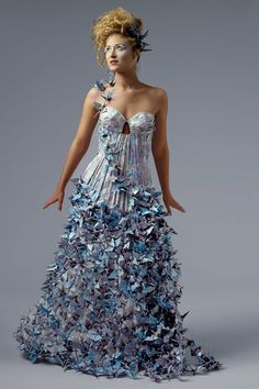 Color wedding dress trends - Paper wedding dress