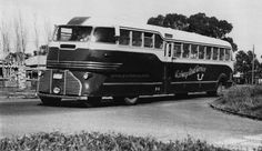Articulated bus FOWLER landliner for the PENINSULA bus lines, Australia. 1946.