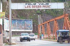 El paso por el nuevo puente Acrow recién instalado en la localidad de Pisac, en Cusco, fue abierto ayer a las 4 p.m. restableciéndose así el flujo turístico hacia el pueblo y su tradicional mercado. De esta manera, las agencias de viajes y público en general pueden a volver a programar sus tours al Valle Sagrado de la manera usual, es decir en la ruta Cusco-Pisac-Urubamba –Ollantaytambo, informó Manolo Chávez, presidente de la Cámara de Turismo del Valle Sagrado.