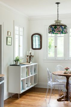 Goodbye Brooklyn, Hello Savannah: A Scandinavian-Meets-Craftsman Style Bungalow Renovation: gallery image 25 Craftsman Style Bungalow, Bungalow Homes, Craftsman Bungalows, Bungalow Interiors, Bungalow Renovation, Living Room Modern, Living Spaces, Warm Dining Room, Dining Rooms