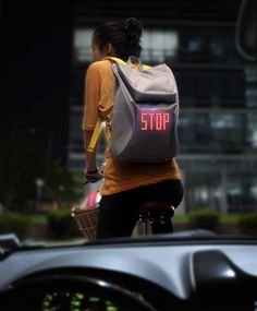 Lee Myung Su Design Lab developed the SEIL bag (Safe Enjoy Interact Light), a bicycle backpack that has a integrated LED display that allows cyclists to Design Lab, Velo Design, Pop Design, Sketch Design, Design Concepts, Design Ideas, Graphic Design, Smart Textiles, E Textiles