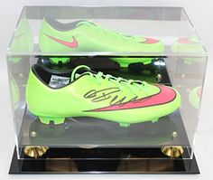 0015d2473 Cristiano Ronaldo Autographed Nike Cleat PSADNA COA in Display Case -- For  more information