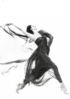 Cyd Charisse (evening dress by Macrini), photographed byRichard Avedon at his New York studio,June 1961.