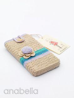 Crochet Phone Cover Smart phone crochet case by Anabelia Crochet Phone Cover, Crochet Pouch, Crochet Purses, Crochet Gifts, Cute Crochet, Vintage Crochet, Crochet Designs, Crochet Patterns, Cell Phone Pouch