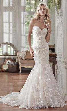 Maggie Sottero Rosamund: buy this dress for a fraction of the salon price on PreOwnedWeddingDresses.com