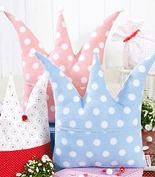cute crown pillow! Could i make it......?