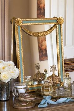 Four Must-Haves for the Dressing Table - Victoria Magazine - Stealing away to nourish the skin, apply makeup, or enjoy quiet reflection refreshes both body and - French Interior, Interior Photo, French Decor, Classic Bedroom Decor, Natural Bedroom, Victoria Magazine, Beach Bedding, French Style Homes, Winter Night