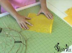 Sunflower tutorial using Deco Paper Mesh, Glitter Twig Work Wreath and Garland