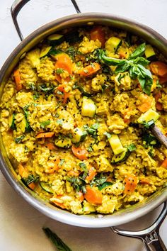 One-Skillet Ground Turkey Thai Curry Is Perfect for Meal Prep One Skillet Ground Turkey Thai Curry with Rice - The Roasted Root Ground Turkey Soup, Ground Turkey Tacos, Healthy Ground Turkey, Ground Turkey Recipes, Ground Turkey Meal Prep, Yellow Curry Recipe, Pasta Al Curry, Kitchens, One Pot Meals
