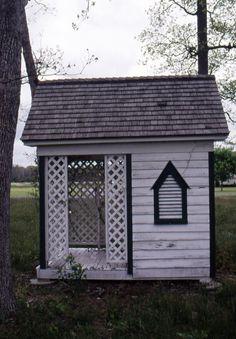 Outhouse near Millsboro, DE.  9015-036-001.  Bennett Collection.  Delaware Public Archives.  www.archives.delaware.gov