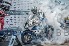 Michael Dunlop wins the Superbikerace at the IoM TT 2014, first factory win for BMW in 75 years