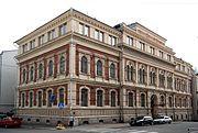 Theodor Höijerin suunnittelema Rikhardinkadun kirjasto. (uusrenessanssi)
