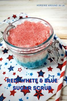 This homemade exfoliating scrub is a wonderful way to pamper your skin, leaving it softer and smoother. Use this sugar scrub on rough areas on your skin every few days for the best results. Red Scrubs, White Scrubs, Homemade Exfoliating Scrub, Soap Colorants, Small Mason Jars, Decorated Jars, Beauty Make Up, Food To Make, Red And White
