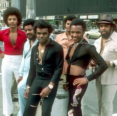 The Isley Brothers in NYC, 1975 - whitemenareboring Music Icon, Soul Music, Music Life, Black Love, Black Is Beautiful, Style Afro, The Isley Brothers, Vintage Black Glamour, Soul Singers