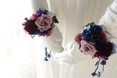 リストブーケ 青山ダイヤモンドホール様へ 青のドレスに : 一会 ウエディングの花