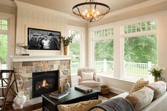 Classic East Coast Shingle Style Lakeside Cottage - Home Bunch Interior Design Ideas Tv Above Fireplace, Shiplap Fireplace, Home Fireplace, Fireplace Design, Fireplace Ideas, Cottage Fireplace, Living Room Ideas With Fireplace And Tv, Fireplaces With Tv Above, Fireplace Candles