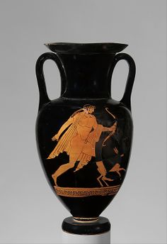 Terracotta Nolan neck-amphora (jar) Attributed to the manner of the Bowdoin Painter Period: Classical Date: ca. 480–470 B.C