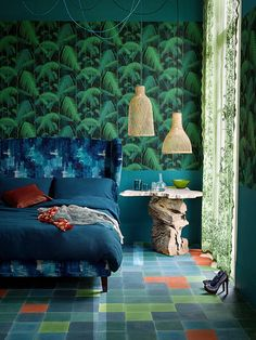 Wallpaper Palm Jungle--- interesting to just use it in the mid section!