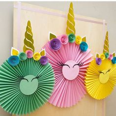 more and more crafts: Beautiful decorations with paper rosettes - - Paper Rosettes, Paper Flowers, Unicorn Birthday Parties, Birthday Party Decorations, Birthday Ideas, Diy And Crafts, Crafts For Kids, Unicorn Baby Shower, Unicorn Crafts