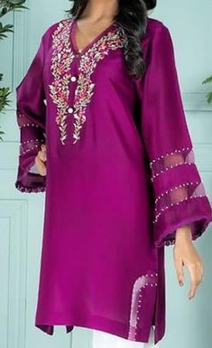 Sleeves Simple Kurti Designs, Kurta Designs, Blouse Designs, New Kurti, Shalwar Kameez, Salwar Suits, Embroidered Dresses, Trouser Pants, Dress Pants