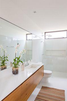 24-banheiro-claro-e-ilumonado.
