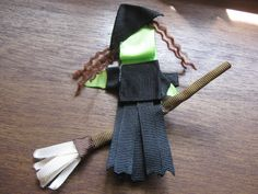 Green Witch Riding a Broom Ribbon Sculpture Clip $6