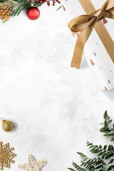 Christmas Fairy Lights, Elegant Christmas Trees, Traditional Christmas Tree, Minimal Christmas, Christmas Frames, Noel Christmas, Christmas Paper, Christmas Design, Christmas Presents
