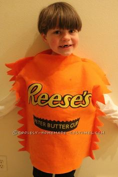 Fun Chocolate and Peanut Butter Candy Bars Family Costume ... This website is the Pinterest of costumes